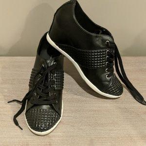Black wedge sneaker